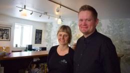 STUDIO SPORNES: Mari Dale og Tom Rudi Torjussen gleder seg over å gå i gang med tredje sesong med søndagkafé på Tromøy. Foto: Esben Holm Eskelund