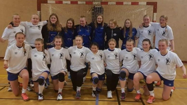 REGIONMESTERE: Traumas jenter 15-lag ble regionseriemestere. Foto: Trauma Håndball/Facebook