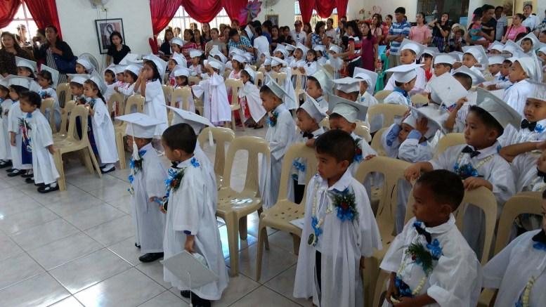 MAMAS: Tromøy menighet driver mange aktiviteter, blant annet et arbeid til inntekt for barn på Filipinene. Foto: Privat