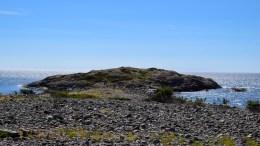 LAKSEBERGET: Inngangen til en laguna sørøst på Merdø. Foto: Esben Holm Eskelund