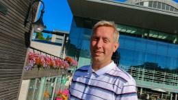 NATT I NATUREN: Varaordfører i Arendal, Terje Eikin (Krf) vil gjerne ha deg med på telttur på Hove. Arkivfoto