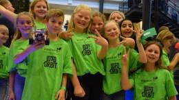 ENORM INNSATS: Solid teamarbeid ga uttelling for femteklassingene på Roligheden skole som deltok på First Lego League i Agder. Det ble arrangert ved Universitete t i Agder i Grimstad. Foto: Esben Holm Eskelund
