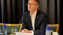 FORTSATT ÅPEN: Ordfører Robert C. Nordli (Ap) i Arendal har ikke lukket døren for kommunesammenslåing. Arkivfoto
