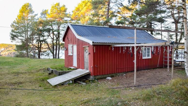 BADSTUE: Denne hytta kan bli ombygget til badstue med sanitæranlegg. Foto: Esben Holm Eskelund