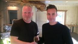 NY SPILLER: Trener Gaute Haugenes ønsker Tore Erik Løvås Skeimo velkommen som ny spiller for Traumas A-lag. Foto: Trauma Fotball