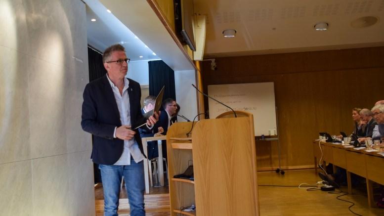 MINDRE HUS: Helsepartiets Knut Tveiten vil heller ha flere og mindre helsehus, som er mer tilpasset fremtidens pasienter der flere og flere diagnostieres med demens. Foto: Esben Holm Eskelund