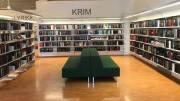 BIBLOTEKTJENESTE: Å legge ned boken kommer-tjenesten, mener den pensjonerte bibliotekaren Herdis Häring er en særdeles dårlig idé. Foto: Arendal bibliotek/Facebook