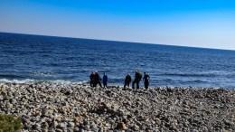 RAET: Forskere og eksperter hadde en varm og solrik befaring på Hoveodden sist onsdag. Foto: Esben Holm Eskelund