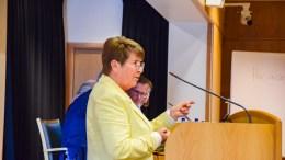 HOVE-KONTROLL: Nestleder i kontrollutvalget, Liv Andersen (Ap) er fungerende utvalgsleder når Hove-saken står på agendaen. Foto: Esben Holm Eskelund