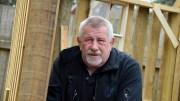 HOVE-HJERTET: Jostein Andersen er tidligere vaktmester på Hove. Han varsler utmelding av Arbeiderpartiet etter 53 år om organisasjonsformen for HDU blir endret. Arkivfoto