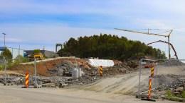 TROMØY-ADKOMST: Byggingen av ny fv. 409 mellom Krøgenes og Tromøybroa er i full gang. Åpningsdatoen er også satt. Foto: Esben Holm Eskelund