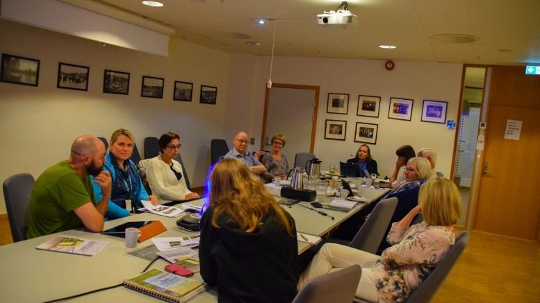 TILRETTELEGGING: Rådet for mennesker med nedsatt funksjonsevne hadde både Canvas Hove AS, Raet nasjonalpark og prosjektlederen for Raet nasjonalparksenter til orientering i møte sist uke. Foto: Esben Holm Eskelund