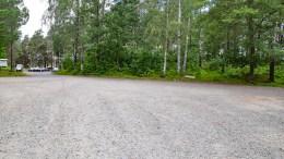 BOBIL PÅ CANVAS: Canvas Hove tar nå imot bobilturister på parkeringsplassen ved campingområdet på Hove, der det er rigget til med strøm og finnes bedre fasiliteter tilgjengelig for turistene. Foto: Esben Holm Eskelund