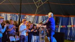 KLIMA-FOKUS: Statsminister Erna Solberg (H) fokuserte på klima og skolepolitikk da hun talte til Unge Høyre på sommerleir på Hove på Tromøy søndag. Foto: Esben Holm Eskelund