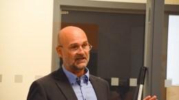 VAKTORDNING: Daglig leder Øystein Sangvik i Arendal eiendom KF ber styret om lov til å sette i gang en vaktordning som skal sørge for beredskap i foretaket utenom ordinær kontortid. Foto: Esben Holm Eskelund