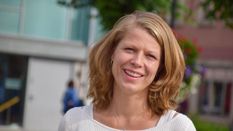 MOBBEOMBUD: Guro Haslekås Solheim er mobbeombud for barn og unge i Arendal. Hun legger opp til lav terskel for å ta kontakt. Foto: Esben Holm Eskelund