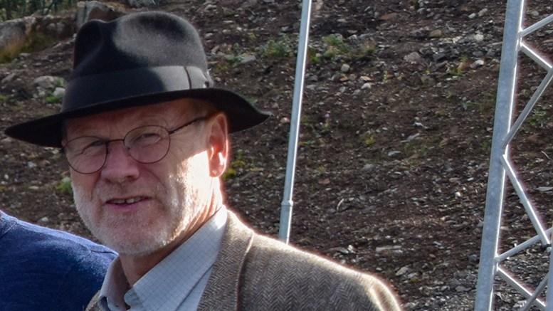 FYRHISTORIEN: Jan Kløvstad ber fylkesordføreren ta grep for å sikre at fyr ikke forsvinner når gamle løsninger skal moderniseres. Foto: Esben Holm Eskelund