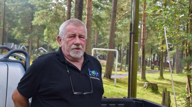 OPPGITT: Pensjonert Hove-vaktmester, Jostein Andersen, mener politikere og andre bør snakke med folk som har lokal kunnskap før de uttaler seg og spekulerer om forholdene på Hove. Foto: Esben Holm Eskelund