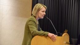 BOPLIKT: SV og Inger Brokka de Ruiter fikk flertallet i bystyret med seg på å se på gjeninnføring av boplikt i Arendal igjen, seks år etter den ble opphevet. Foto: Esben Holm Eskelund