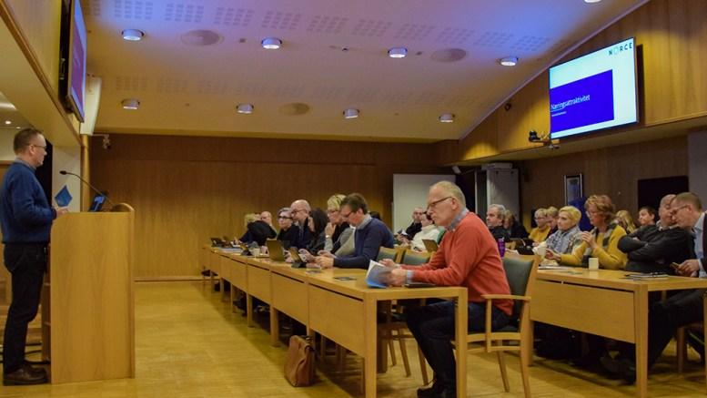 SVAK BEDRING: Arendal kommune kan notere seg en svak bedring av næringslivets oppfatning av Arendal som en attraktiv kommune å drive næring i. Foto: Esben Holm Eskelund