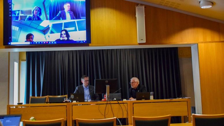 KORONAORIENTERING: Formannskapet i Arendal ble torsdag holdt som videokonferanse. Politikerne ble orientert om koronasituasjonen i Arendal. Foto: Esben Holm Eskelund
