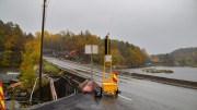 STENGER VEIEN: Fv. 409 mellom øst og vest på Tromøy stenges fredag kveld. Arkivfoto