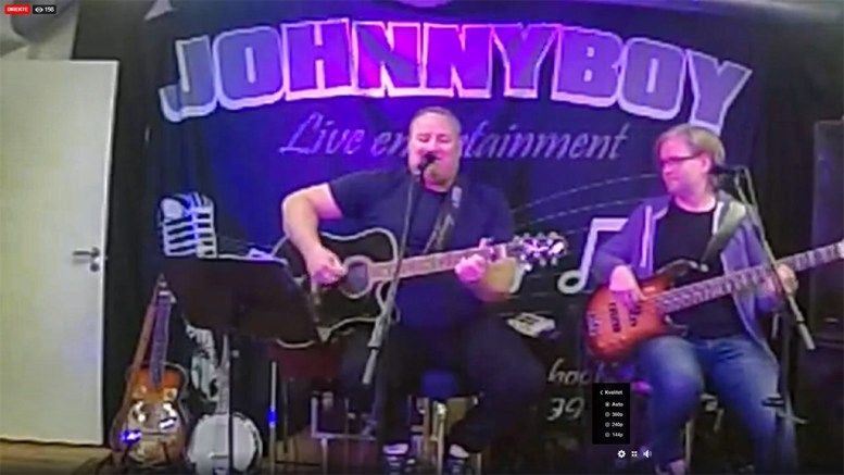 DIREKTE: Johnny Sandåker spiller konsert direkte på nettet. Foto: Skjermdump / Facebook