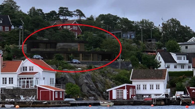 FUNKISHYTTE: I Bukta ved Rægevig ønsker tiltakshaver å bytte ut den eksisterende bygningen med en ny og større over to etasjer (rød ring). Illustrasjon: fra søknaden
