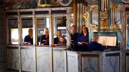 TROMØY KIRKE: Her kan du se gudstjeneste fra Tromøy kirke 2. søndag etter påske. Foto: Tromøy menighet / Youtube