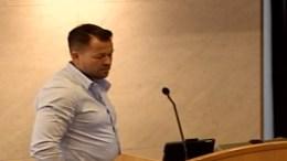 GODT FORSLAG: – Kristina Stenlund Larsens forslag er godt og jeg oppfordrer hele bystyret til å støtte opp om det, sa Frps Andreas Arff. Foto: Arendal kommune videobilde