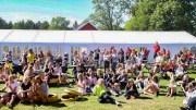 TAKKER FOR STØTTEN: Agder Idrettskrets og Tromøy Fritidsforum takker Gjensidigestiftelsen for pengestøtten til Idrettscampen, som ble en realitet til tross for koronapandemien. Foto: Mona Hauglid
