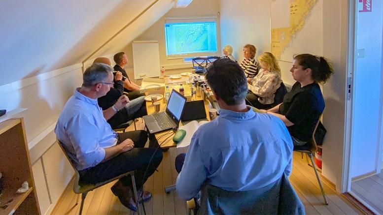 VARSLER STØY: Arendal havn KF har bestilt nye støyutredninger for havnevirksomheten, og endrer strategien for å gjøre seg attraktiv i forbindelse med en eventuell etablering av en batterifabrikk i Heftingsdalen. Foto: Esben Holm Eskelund