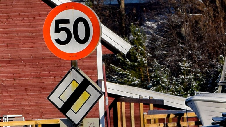 SETTER STREK: I løpet av året skal seks kilometer mellom Kongshavn og Øyna gjøres om til forkjørsvei. Foto: Esben Holm Eskelund