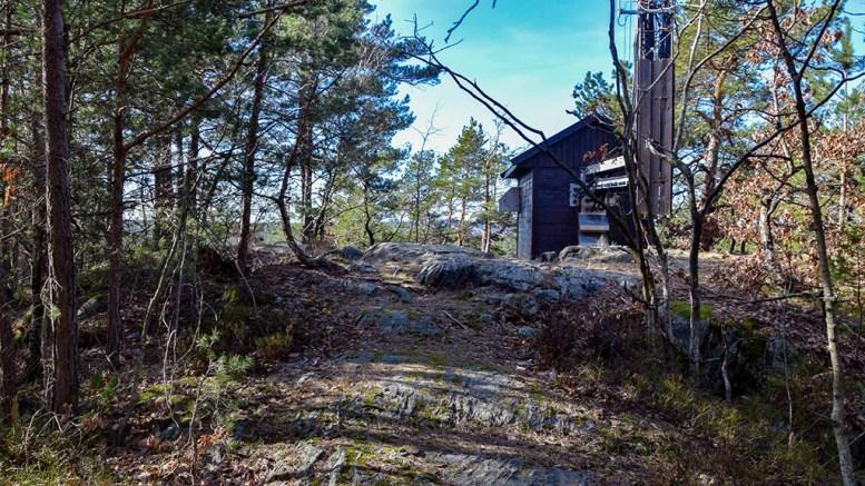 HUSEFJELL: Den høyeste toppen på østerenden av Tromøy. Foto: Esben Holm Eskelund
