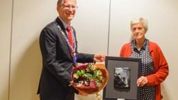 NYE NOMINERTE: I fjor fikk Ragnhild Mortensen frivillighetsprisen i Arendal kommune. Nå er to nye tromøynavn nominert til både kulturprisen og frivillighetsprisen for 2021. Arkivfoto