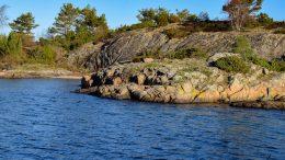 GÅSHOLMEN: - Området innenfor Gåsholmen på Øyna, Tromøya, er et sted publikum kunne vasse på grunt vann ut fra sandstrand. Området har dessverre vært under sterkt press i form av privatisering. Undertegnede med flere er svært bekymret for dette, skriver Thor Erling Mikkelsen i et åpent brev til Naturvernforbundet. Arkivfoto