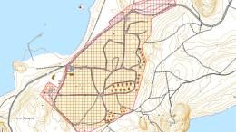 HOVE-REGULERING: Det skraverte området utgjør arealet som er under regulering av Arendal kommune. I 1986 ble hele Hoveodden anbefalt regulert til friområde på grunn av sterk slitasje på naturen. Kart: Arendal kommune