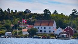 TOLLBODDEN: Prakteiendommen på Merdø er til salgs for 15 millioner kroner. Foto: Esben Holm Eskelund