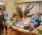 KRISESENTERGAVE: Julie Gundersen og Birgit Skjulestad fra Østre Agder krisesenter tok imot gaven fra Tromøy helselag. Foto: Esben Holm Eskelund