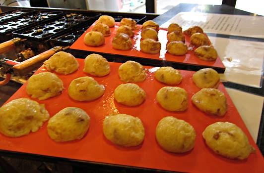 【有馬温泉町巡り】美味しい明石焼きを食べられるお店「有馬十八番」