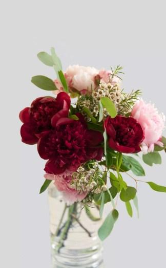 Gėlių puokštė Besišypsantys bijūnai
