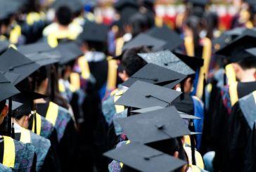 Quatro em cada dez adultos que retomam os estudos abandonam seus cursos