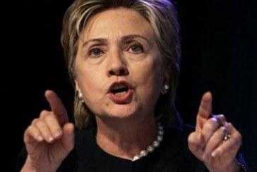 Hillary pressiona Kinshasa a acabar com as violências sexuais contra mulheres