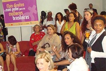 Feministas saúdam novo momento com parlamentares