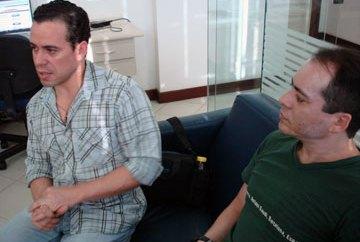 Casal de sargentos gays responde a Bolsonaro