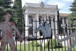 Oito anos após derrubar lei da anistia, Argentina condena militares por tortura e homicídios