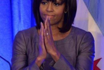 Michelle Obama faz veemente apelo por reforma na lei de controle de armas