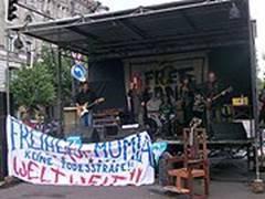 Concerto por ocasião de uma manifestação (Libertem Mumia), na Alemanha, em 2007