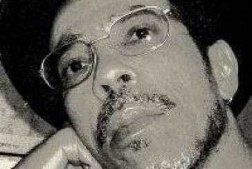 """""""Tornar-se negro""""- As vicissitudes da Identidade do Negro Brasileiro em Ascensão Social de Neusa Santos Souza"""
