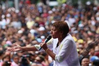 No show do 1º de Maio, Leci Brandão chama atenção para 'genocídio da juventude negra'